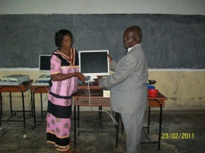 Presentation of the computers to the School Board
